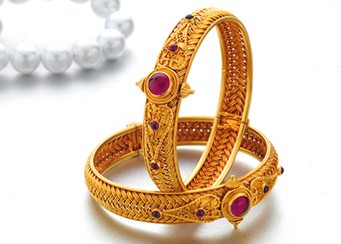 Gold Bangles Designs In Pune, India | PNG | P N Gadgil & Sons